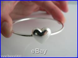 Tiffany & Co Silver Puff Puffy Puffed Heart Charm Wire Bangle Bracelet Rare